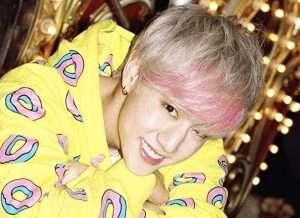 金髪+ピンク前髪